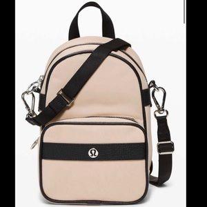 LULULEMON Now and Always Convertible Bag Mini EUC